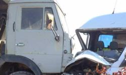 """FOTO La un pas de tragedie. Un conducător auto, """"aruncat"""" pe șosea. Cum s-a întâmplat"""