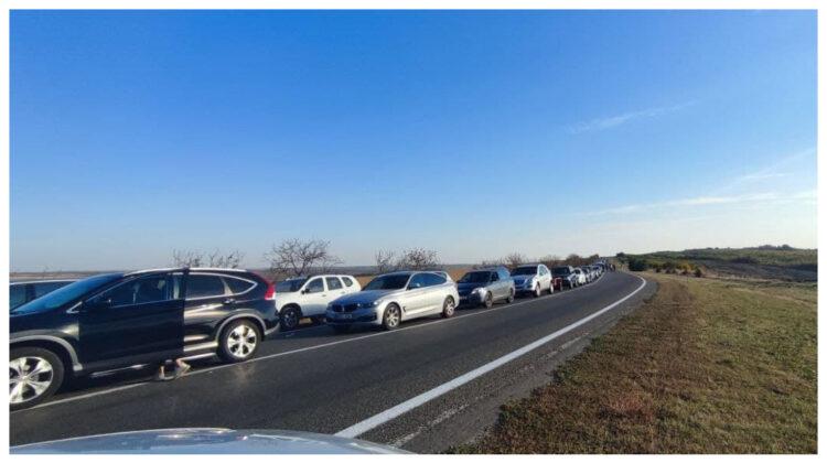 """FOTO Găgăuzii """"își fac de cap"""". Au blocat traseul Chișinău-Comrat în semn de protest față de reținerea lui Stoianoglo"""