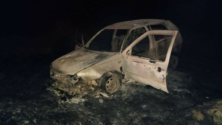 FOTO Un automobil a ars în totalitate la Orhei. Pasagerii aflați în interior, transportați la spital. Ce spune poliția