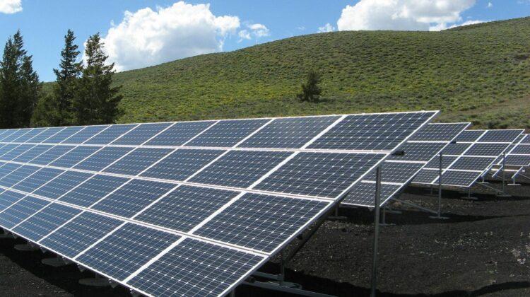 Planuri mari ale Guvernării: Construcții de câmpii fotovoltaice și export de energie electrică