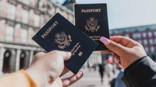 """SUA au emis primul pașaport cu genul """"X"""", destinat unei persoane care nu se identifică nici ca bărbat, nici ca femeie"""