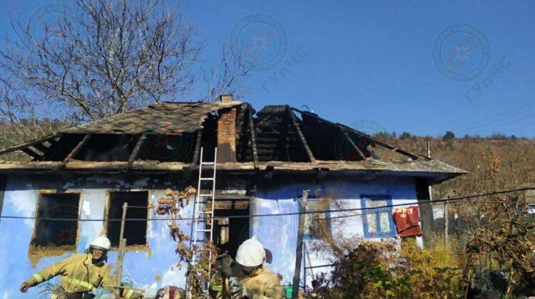 FOTO Macabru! O bătrână din Rîbnița a ars de vie în propria casă! Ce au constatat experții