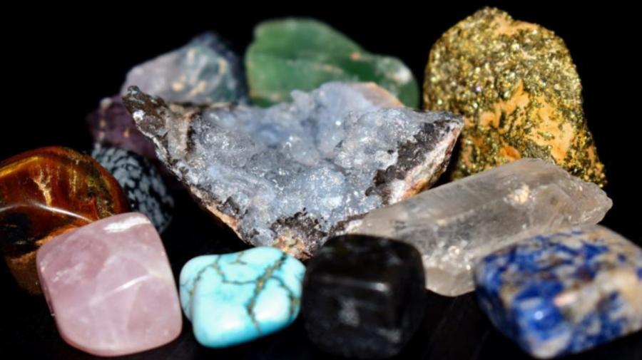 Ce piatră norocoasă ai, în funcție de zodie. Trebuie să le porți zilnic!