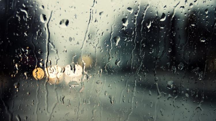 Avem nevoie de umbrelă sau nu? Află ce temperaturi prognozează meteorologii pentru acest weekend
