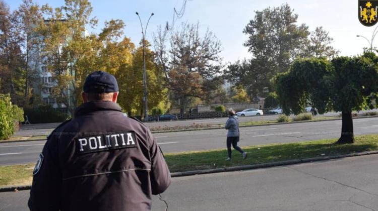Pietonii, sancționați pentru traversarea drumului în locuri interzise. Câte încălcări se atestă în ultimele luni
