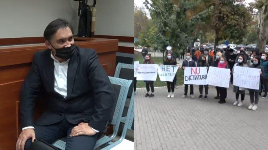 """VIDEO """"Nu poți să-i fugărești"""". Stoianoglo, întrebat în ce relații este cu socialiștii care protestează în susținere"""